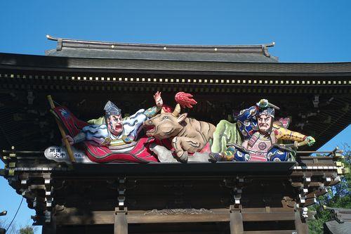 setting symbol on the gate of samukawa shinto shirine  - photo : LEICA M8 + Summicron-M 1:2/35 ASPH